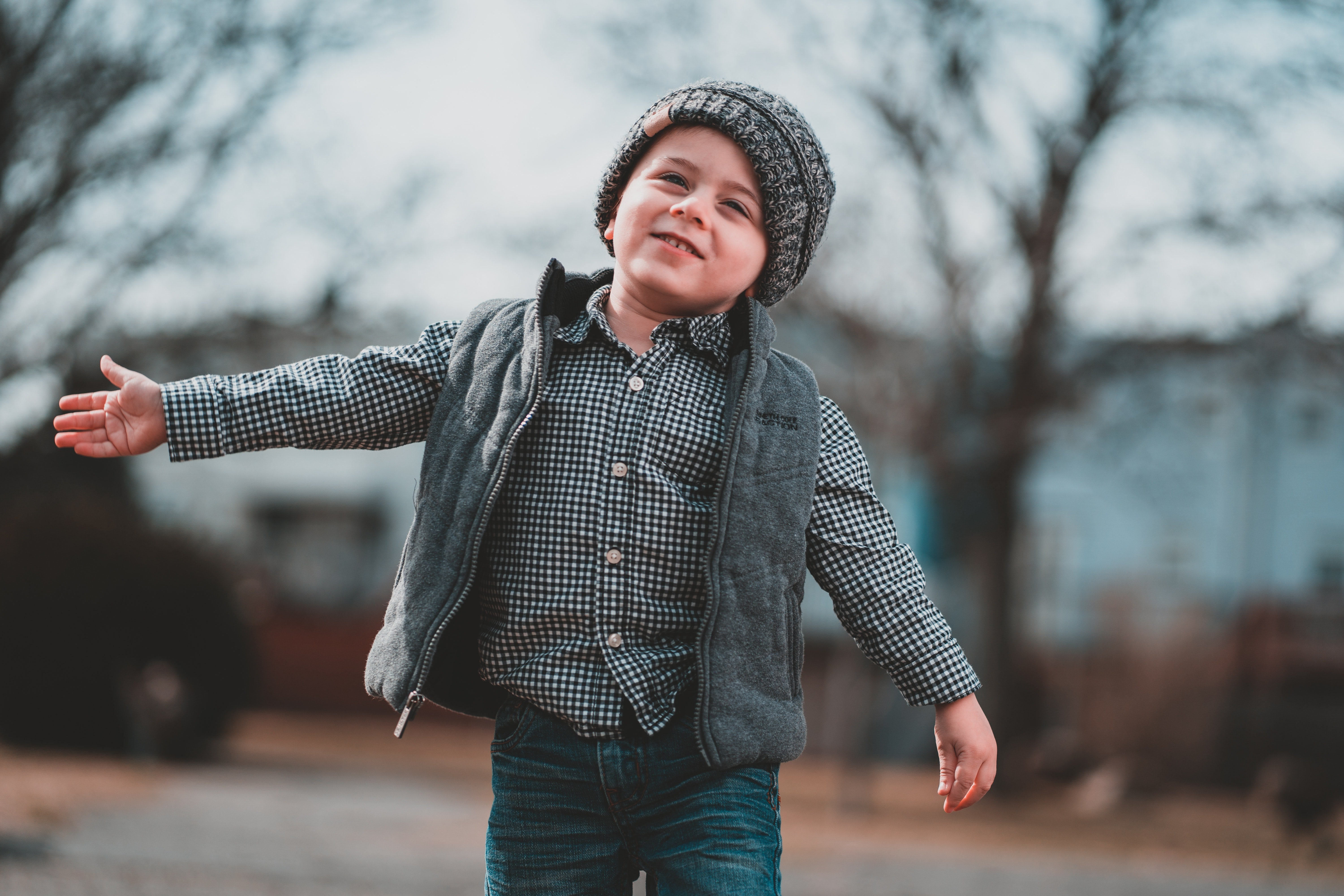 A young boy enjoying in the outdoor. | Source: Pexels