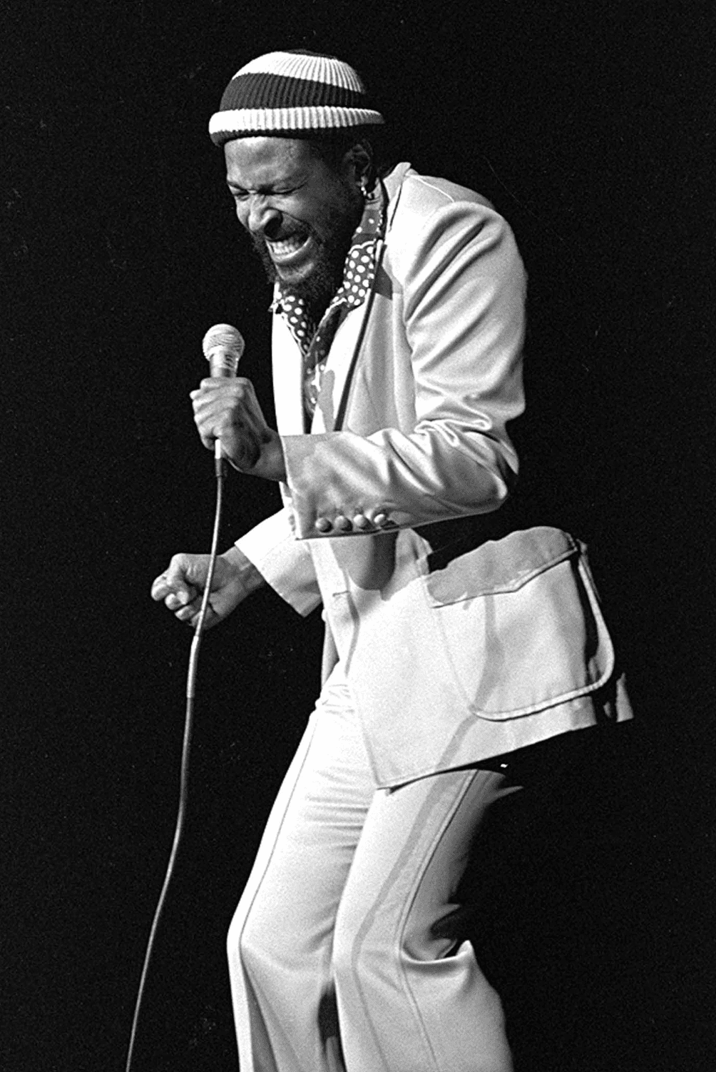 Marvin Gaye erforms during benefit for Quincy Jones on December,1974, in Los Angeles, CA. | Source: Getty Images