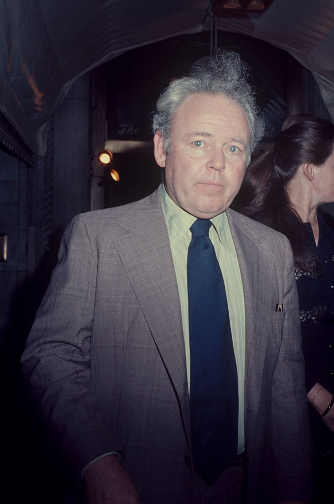 Carroll O'Connor in a jacket and tie on January 01, 1970   Photo: Getty Images