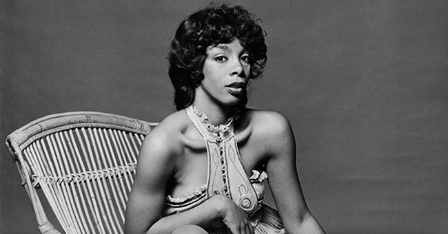 Donna Summer posing for a photo.| Photo: Getty Images.