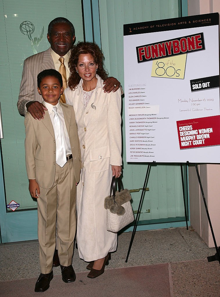 Actor Charles Robinson, his wife Dolorita and their son Luca attend the Academy of Television Arts & Sciences' 'Funny Bone of the '80s' on November 16, 2009. | Photo: Getty Images