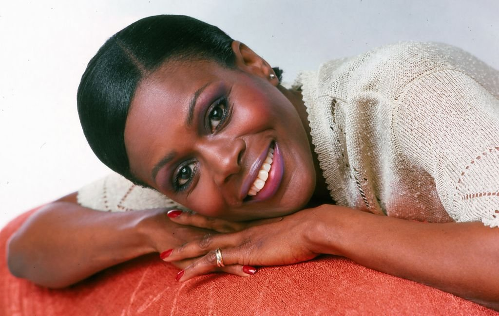 Cicely Tyson smiles as she poses in 1976 in New York City. |Source: Getty Images