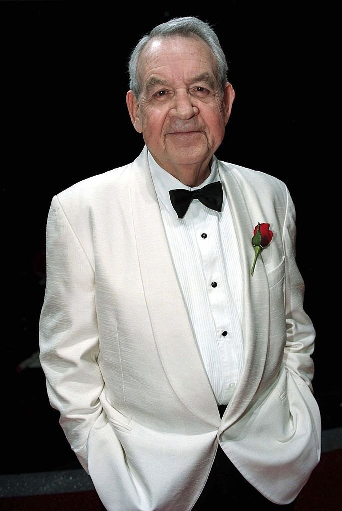 Tom Bosley during rehearsals for 'Happy Days: The Arena Mega Musical' in 1999 | Source: Getty Images