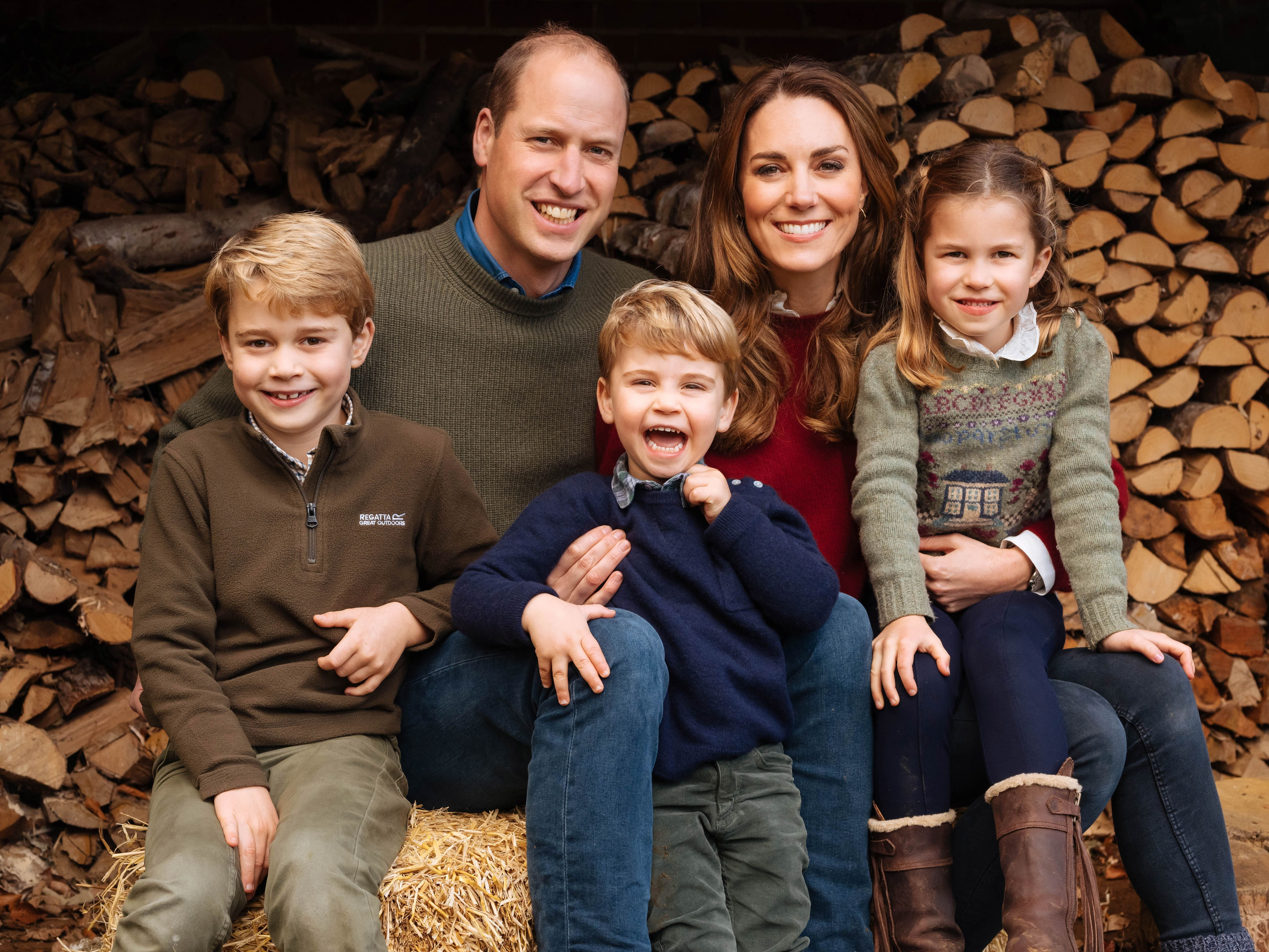 Prince William and Kate Middleton with their three children Prince George, Princess Charlotte and Prince Louis at Anmer Hall on December 16, 2020 | Photo: Getty Images