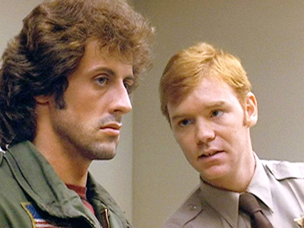 "Sylvester Stallone und David Caruso in Der Film ""First Blood"" von Ted Kotcheff. (Alternativ auch als Rambo: First Blood bezeichnet) (Foto von CBS) I Quelle: Getty Images"