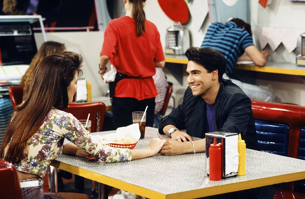 """Tiffani Thiessen and Eddie Garcia in """"No Hope with Dope"""" Episode 21, Saved by the Bell 