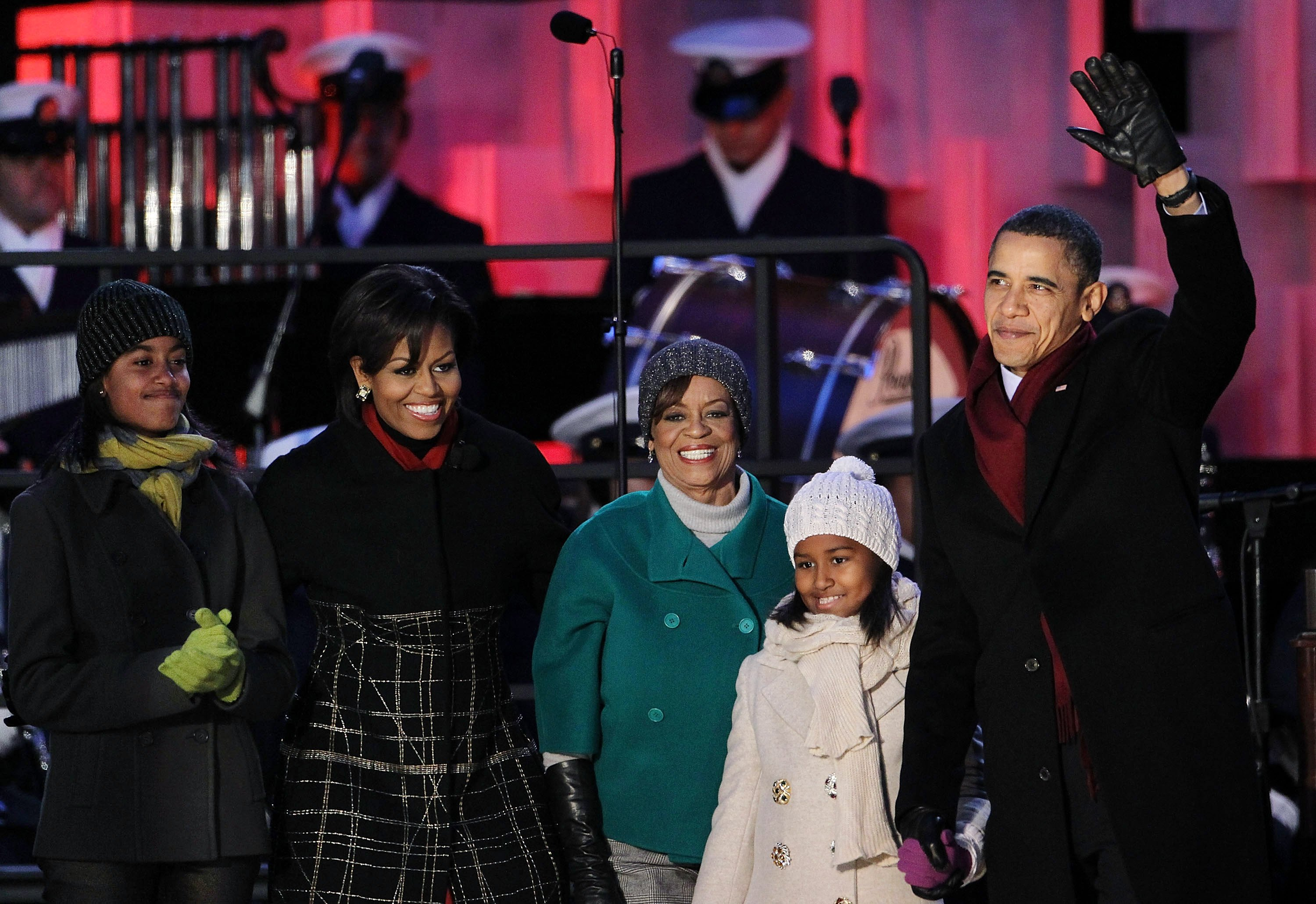 Barack Obama, his daughters Sasha and Malia, mother-in-law Marian Robinson, and Michelle Obama at the National Christmas Tree lighting ceremony on December 9, 2010 | Photo: Getty Images