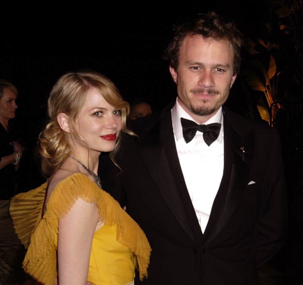 Michelle Williams and Heath Ledger at the 2006 Vanity Fair Oscar Party Hosted by Graydon Carter | Photo: Getty Images
