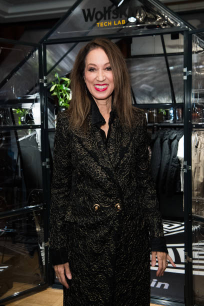 Pat Cleveland attends the Wolfskin TECH LAB x Gianni Versace retrospective opening event at Kronprinzenpalais on January 30, 2018, in Berlin, Germany.| Source: Getty Images.