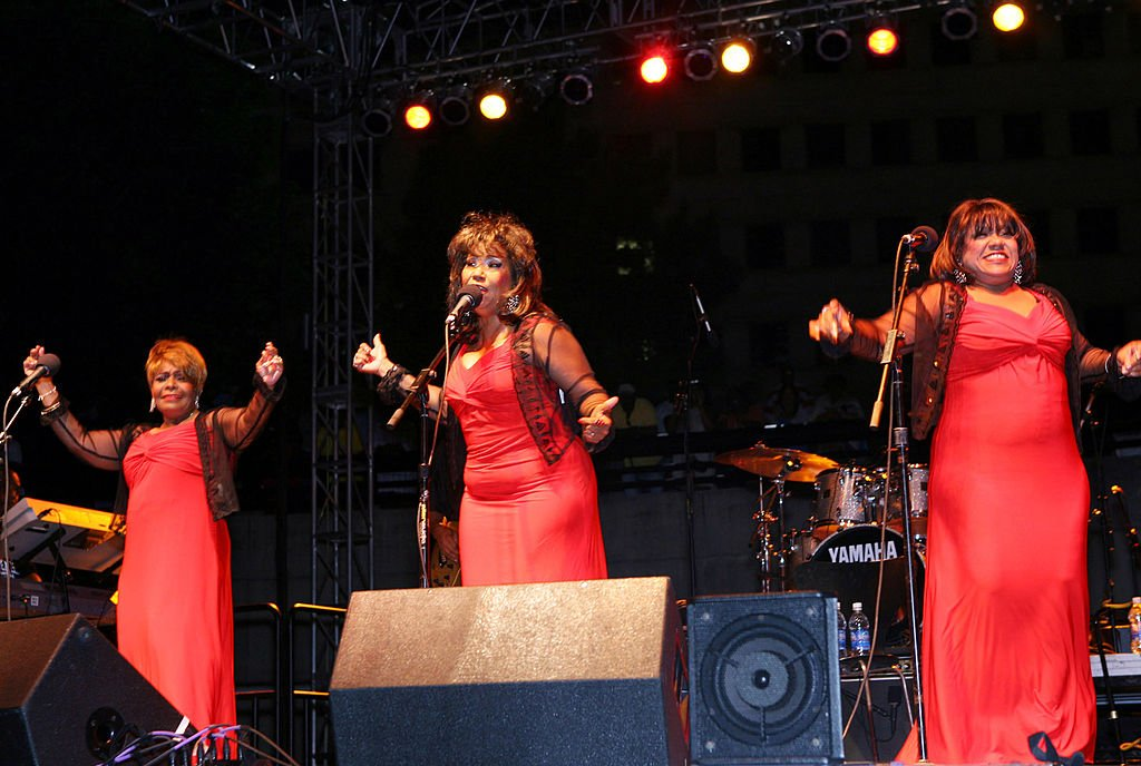 Pamela Hutchinson with Wanda and Sheila of The Emotions performs onstage at the Ribs 'N' Soul Festival in Michigan in 2009. | Photo: Getty Images