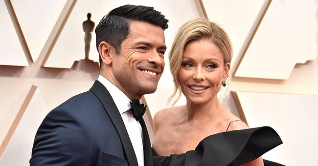 Check Out Kelly Ripa's Photo of Her Shirtless Husband Mark Consuelos Showing His Incredible Abs