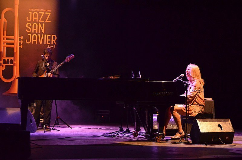 Vonda Shepard's concert in the opening concert of San Javier International Jazz Festival. | Source: Wikimedia Commons