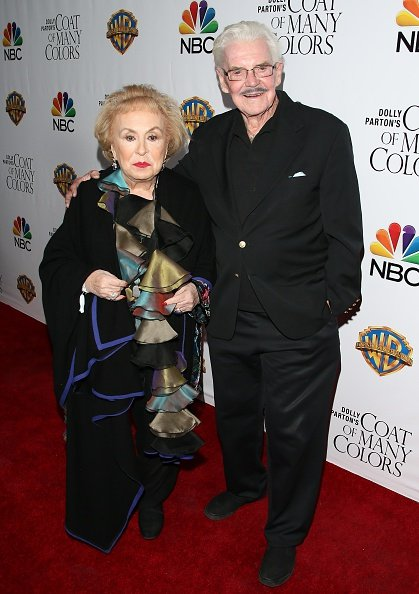 Jack Betts and Doris Roberts on December 2, 2015 in Hollywood, California. | Photo: Getty Images