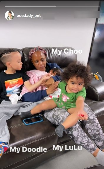 Shante broadus in a cute photo with her grandkids. | Photo: Instagram/bosslady_ent