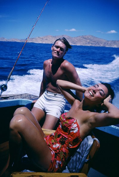 Chuck Connors and Kamala Devi during a fishing trip in 1962 in Baja California, Mexico. | Photo: Getty Images