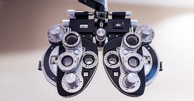 Daily Joke: An Airline Pilot Had Poor Eyesight and Managed to Get Away with It