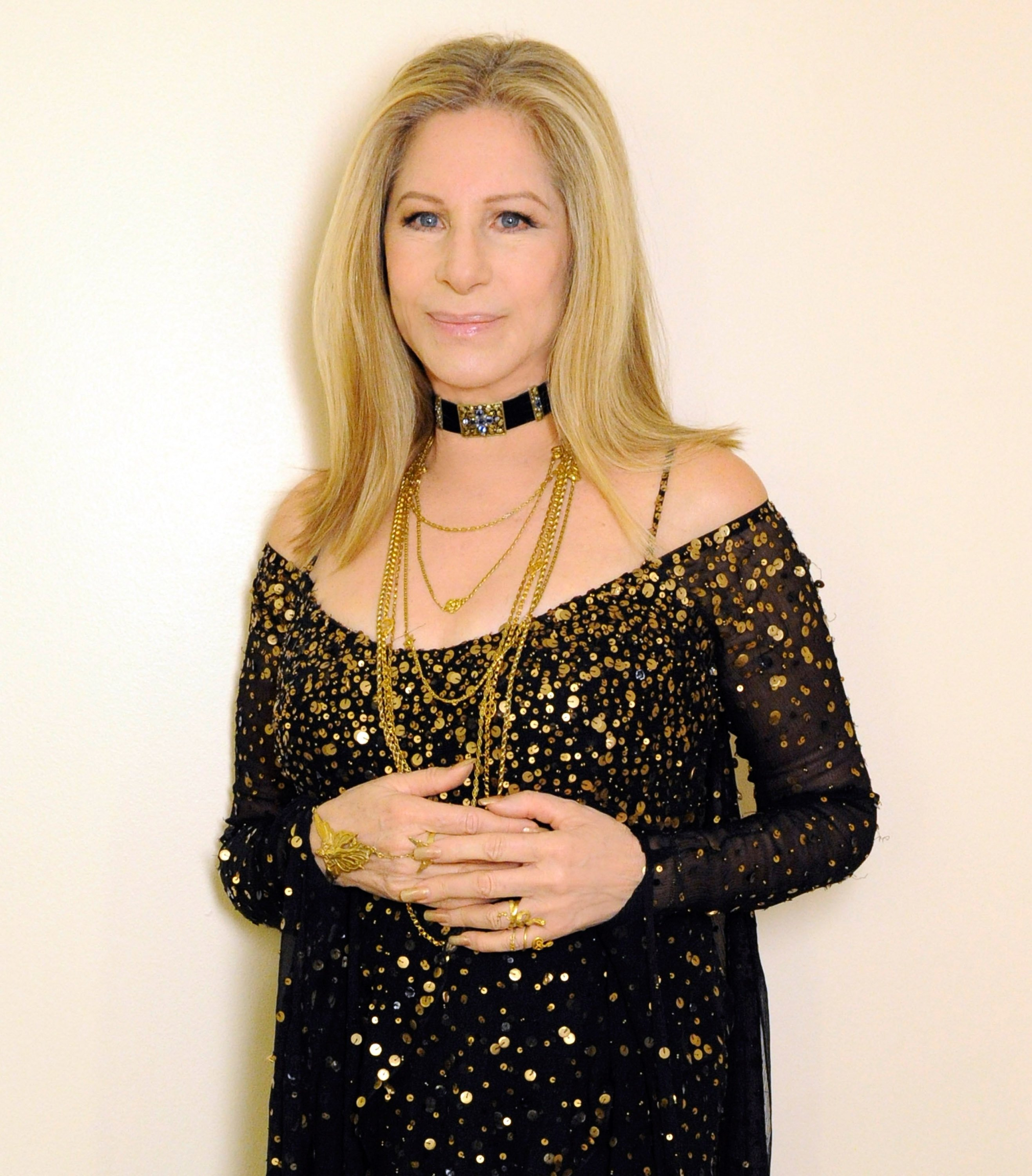 Barbra Streisand poses backstage at the 85th Annual Academy Awards at the Dolby Theatre on February 24, 2013 | Photo: GettyImages
