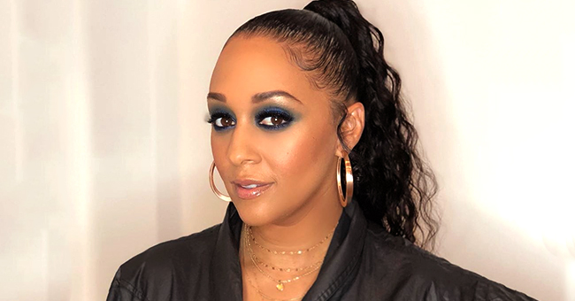 Tia Mowry of 'Sister, Sister' Stuns with Her Smokey Eye Look and Wears Black Jumpsuit in a Gorgeous Photo
