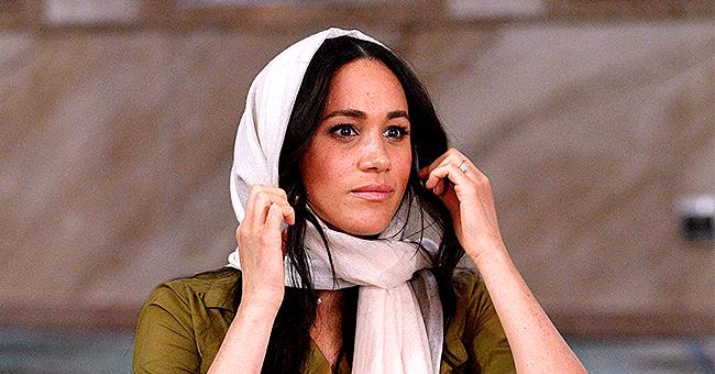"""Meghan Markle porte un collier Hamsa et """"Evil Eye"""" lors d'une visite en Afrique du Sud"""
