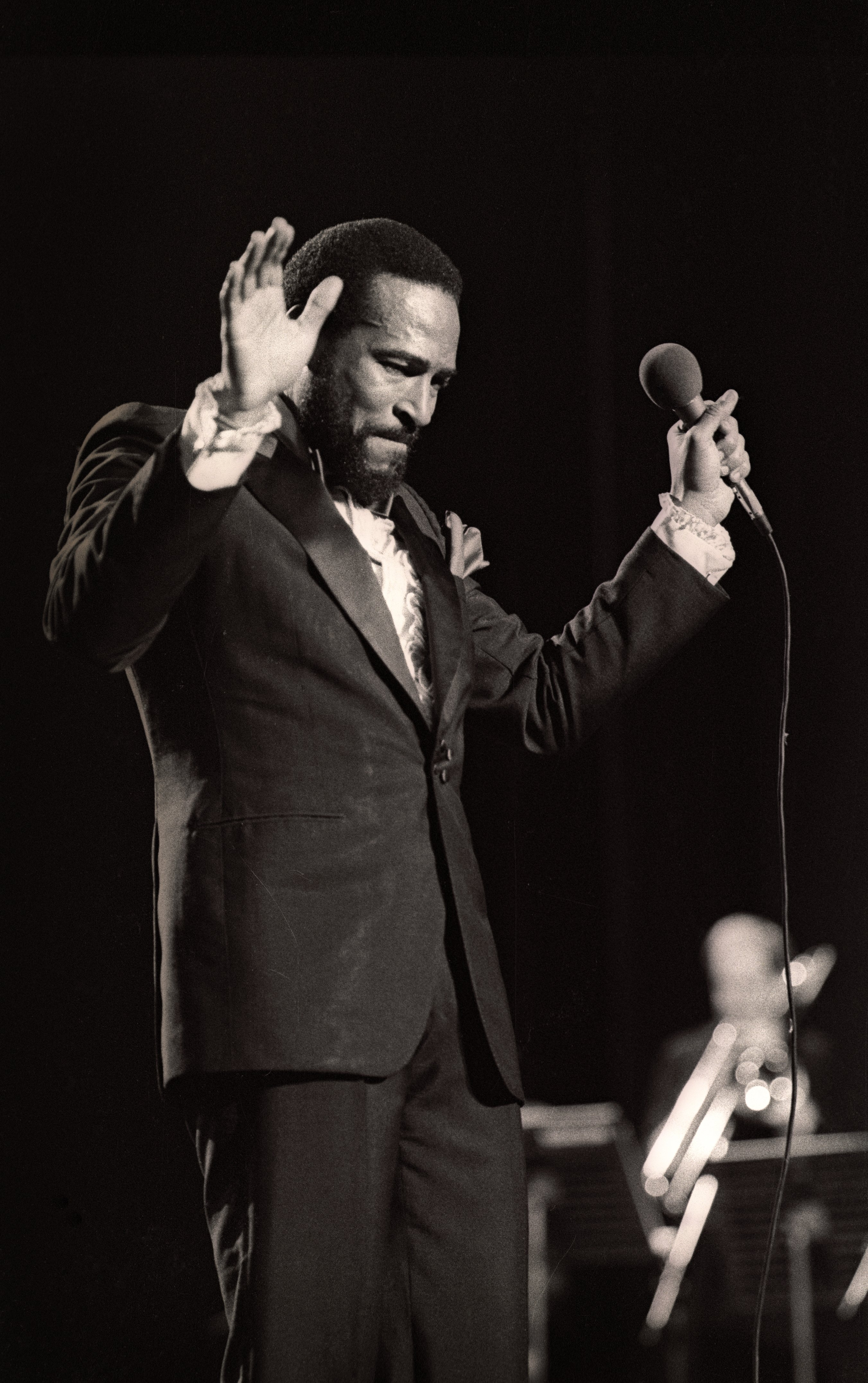 Marvin Gaye performing at Casino, Oostende, Belgium on April 7, 1981. | Source: Getty Images
