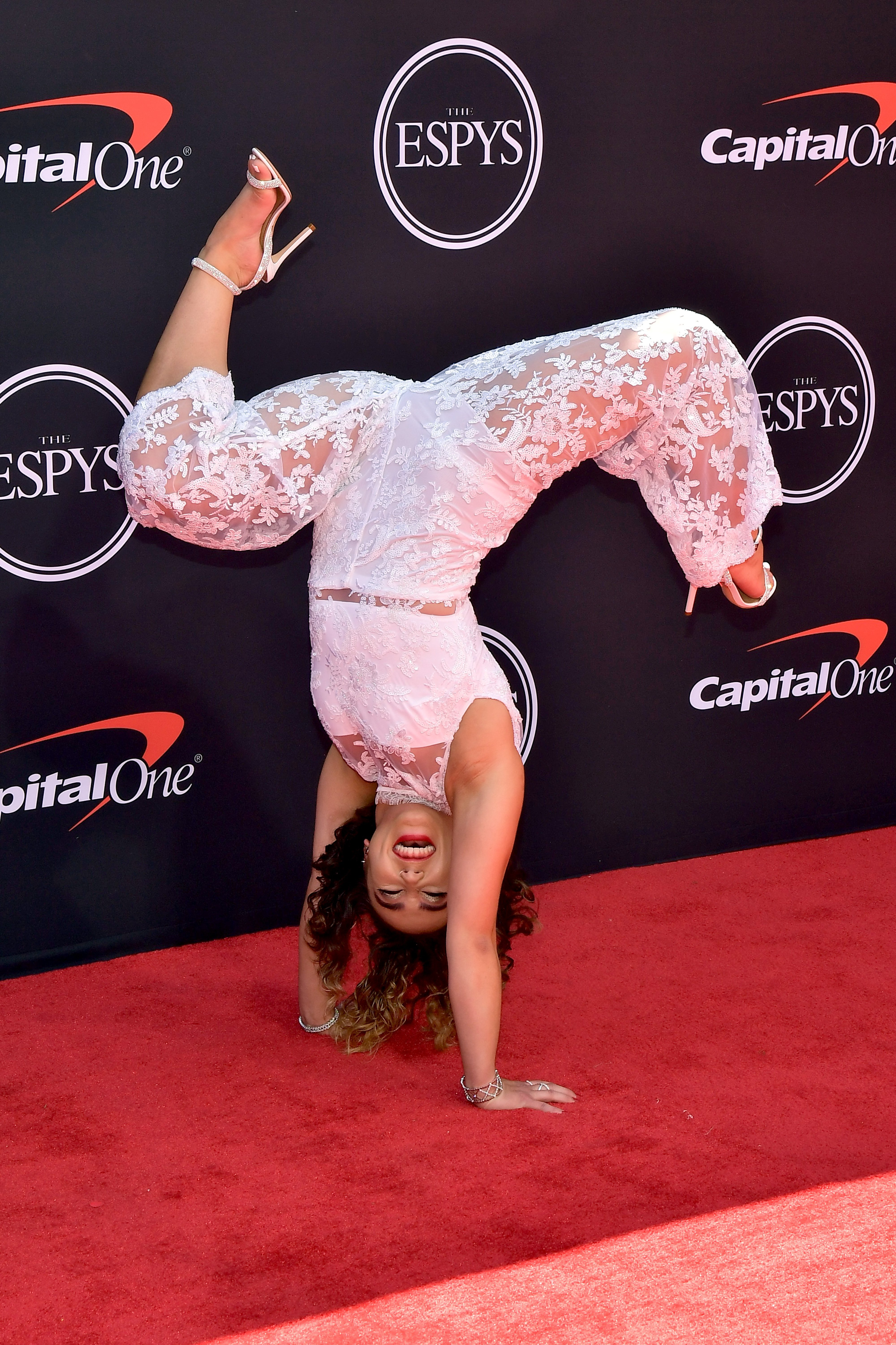 Katelyn Ohashi in her element on the 2019 ESPYs red carpet. | Photo: Getty Images