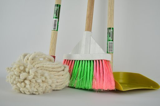 Mops and brooms/ Source: Pexels