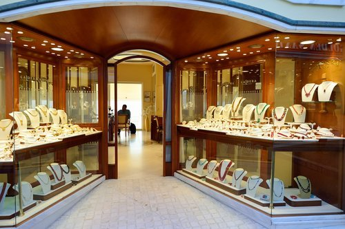 A jewelry store's interior. | Source: Shutterstock.