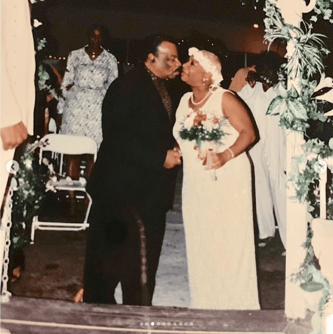 Luenell celebrates her 20th wedding anniversary with a photo of her with her father on her wedding day. | Photo: Instagram/Luenell