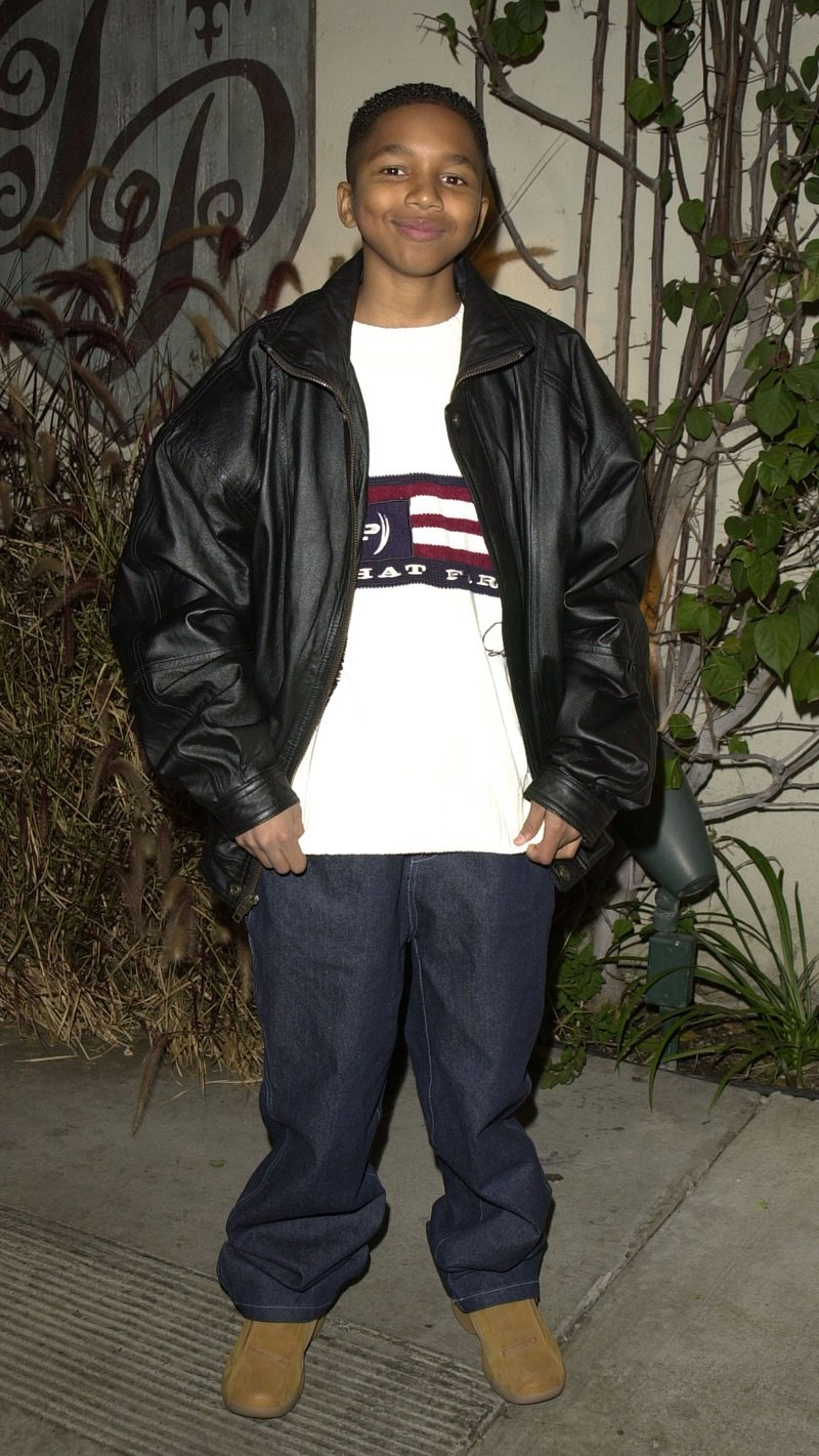 Dee Jay Daniels at Twin Palms Restaurant in Pasadena, California, in 2002 | Photo: Getty Images