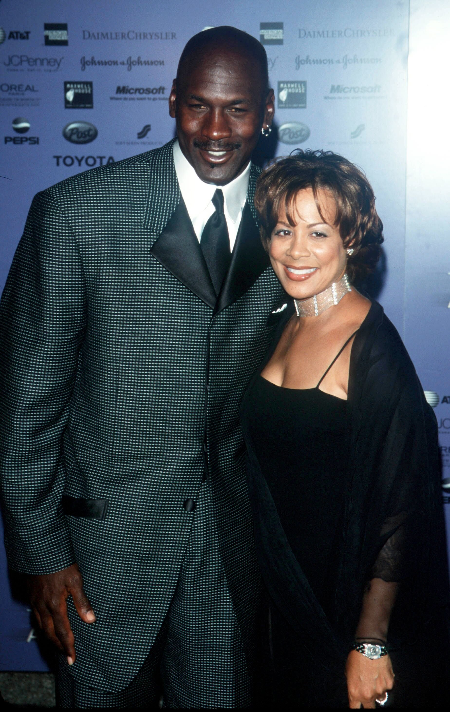 New York City Essence Awards 2000 with Michael Jordan with wife Juanita. | Source: Getty Images