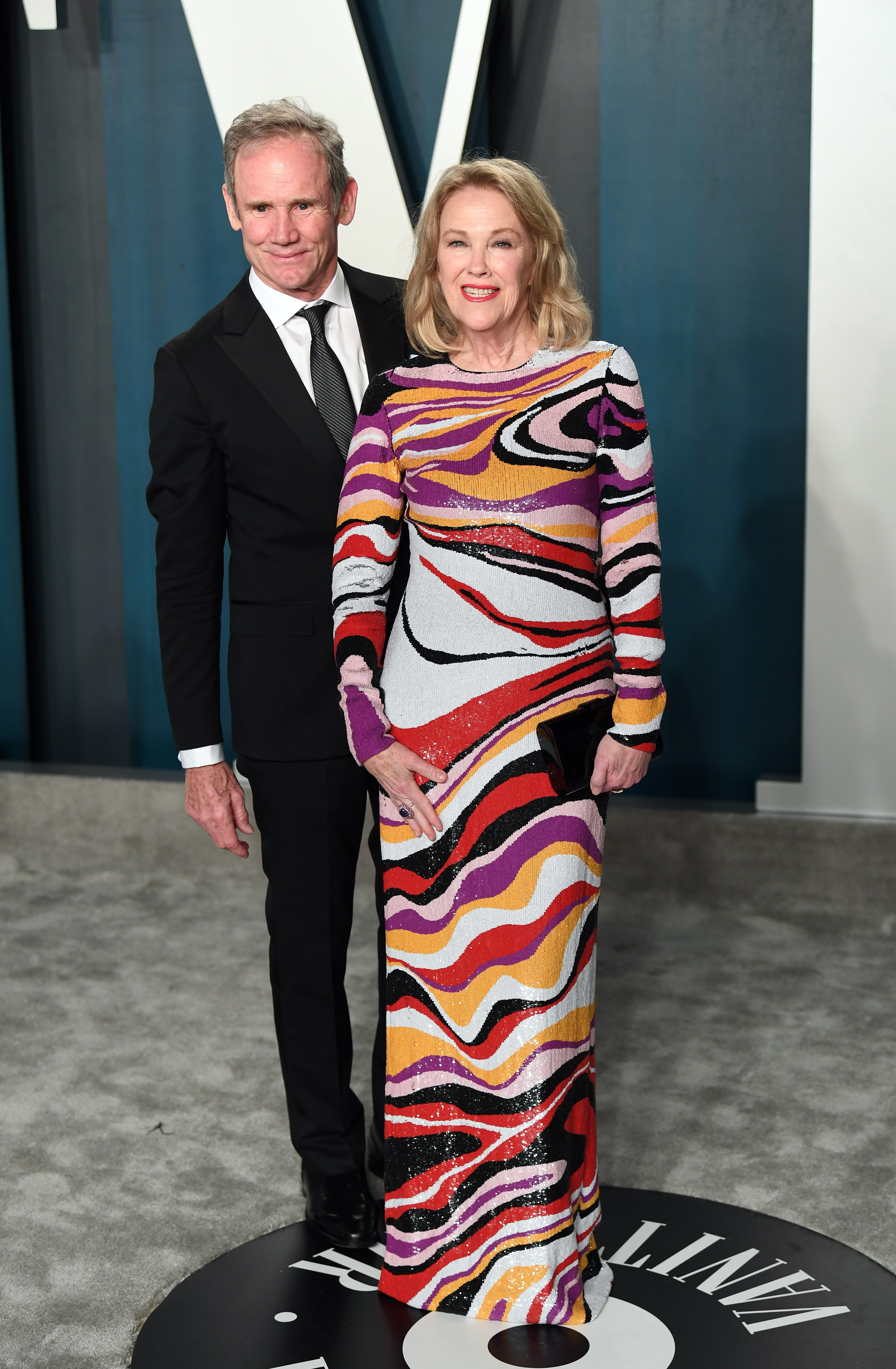 Bo Welch and Catherine O'Hara at the 2020 Vanity Fair Oscar Party hosted by Radhika Jones at Wallis Annenberg Center for the Performing Arts on February 09, 2020 | Photo: Getty Images