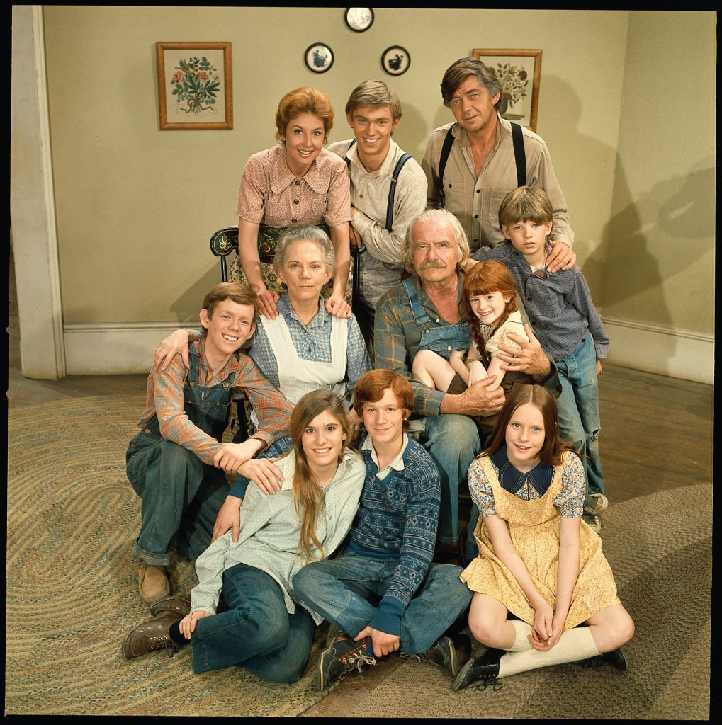 """The cast of the hit television series """"The Waltons"""" poses for a promotional photo on January 1, 1972. 