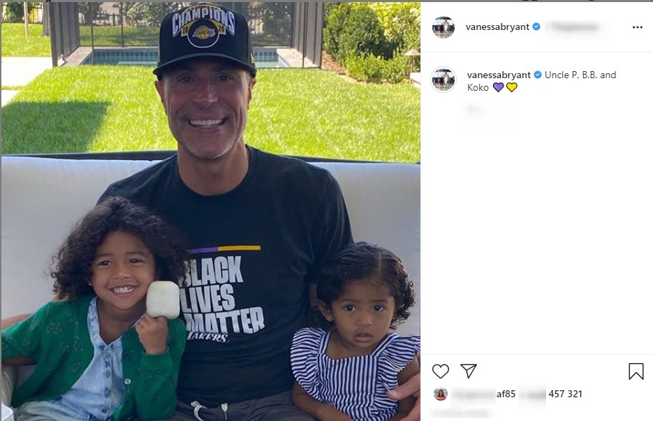 Photo of Vanessa Bryant's daughters, Bianca, and her sister Capri, with Uncle P. | Photo: Instagram/vanessabryant