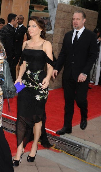 : Actress Sandra Bullock arrives at the 41st NAACP Image Awards at The Shrine Auditorium | Photo: Getty Images