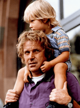 Daniel Cohn-Bendit avec son fils. | Photo : Le Point