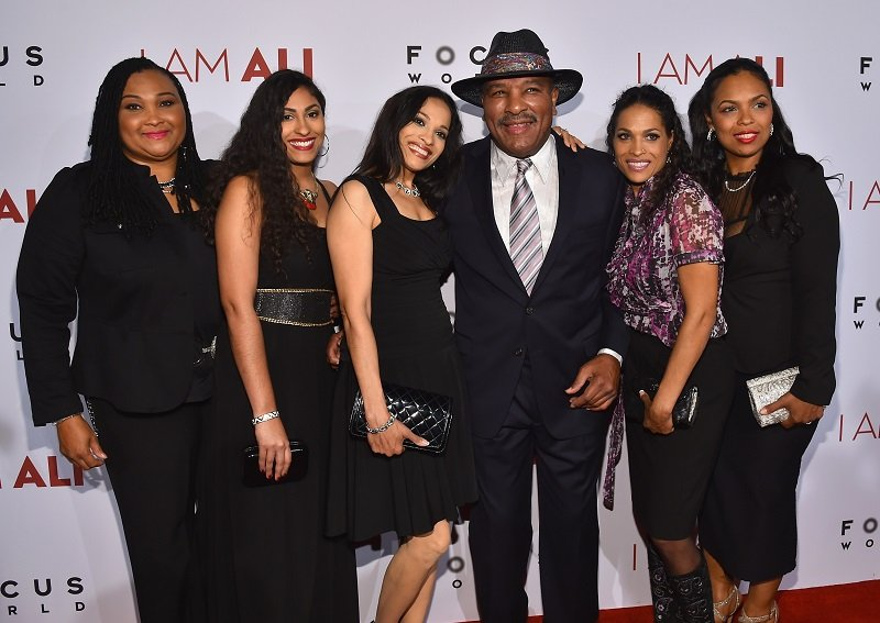 Maryum Ali, Khaliah Ali-Camacho, Jamillah Ali-Joyce, Rahman Ali, Rasheda Ali-Walsh and Hana Ali on October 8, 2014 in Hollywood, California | Photo: Getty Images