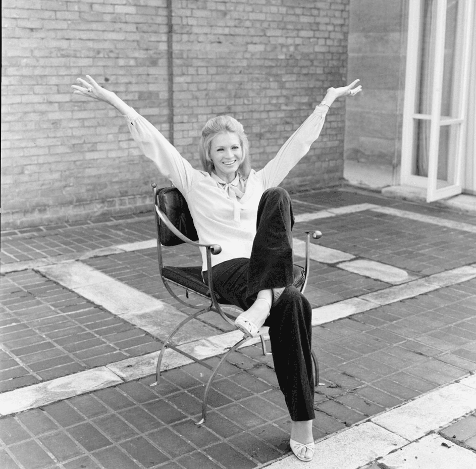 Angie Dickinson in Knightsbridge, London, am 26. September 1980. | Quelle: Getty Images