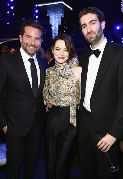 Bradley Cooper, Emma Stone, and Dave McCary at The Shrine Auditorium on January 27, 2019 in Los Angeles, California.   Photo: Getty Images