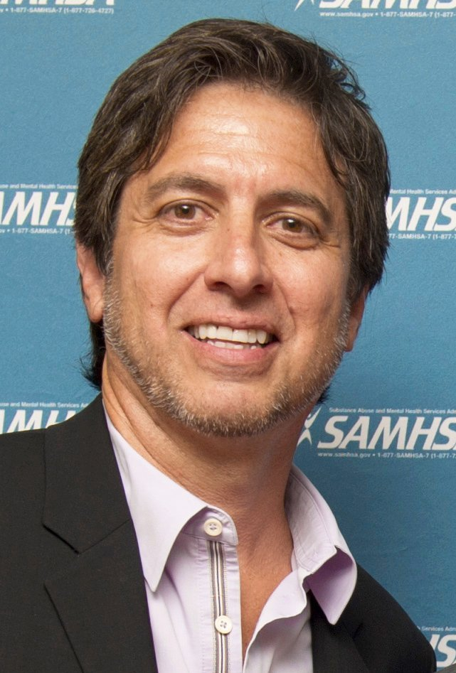 Ray Romano pose for a photo during the 2014 Voice Awards held on August 13 at Royce Hall on the campus of UCLA | Photo: Wikimedia Commons Images