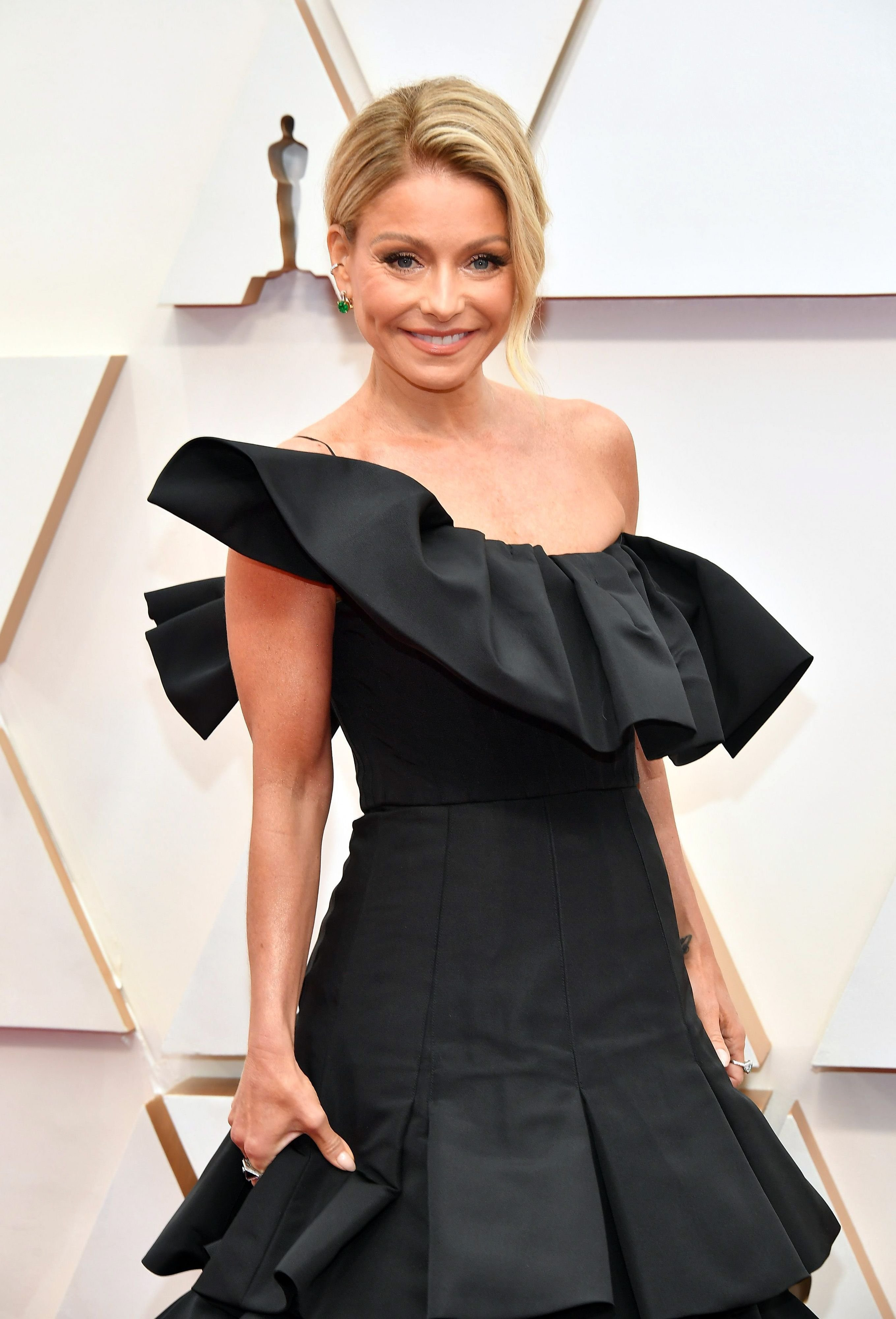 Kelly Ripa at the 92nd Annual Academy Awards at Hollywood and Highland on February 09, 2020 in Hollywood, California. | Photo: Getty Images