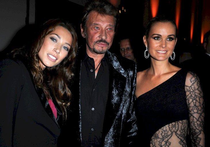 Johnny Hallyday accompagné de Laeticia hallyday et laura Smet   Photo : Getty Images