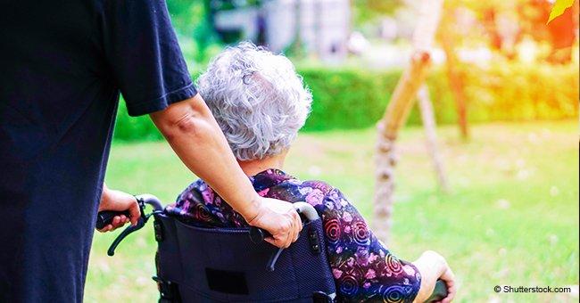 Foto de una mujer de 80 años desplomada sobre almohada en un asilo de ancianos causa furia