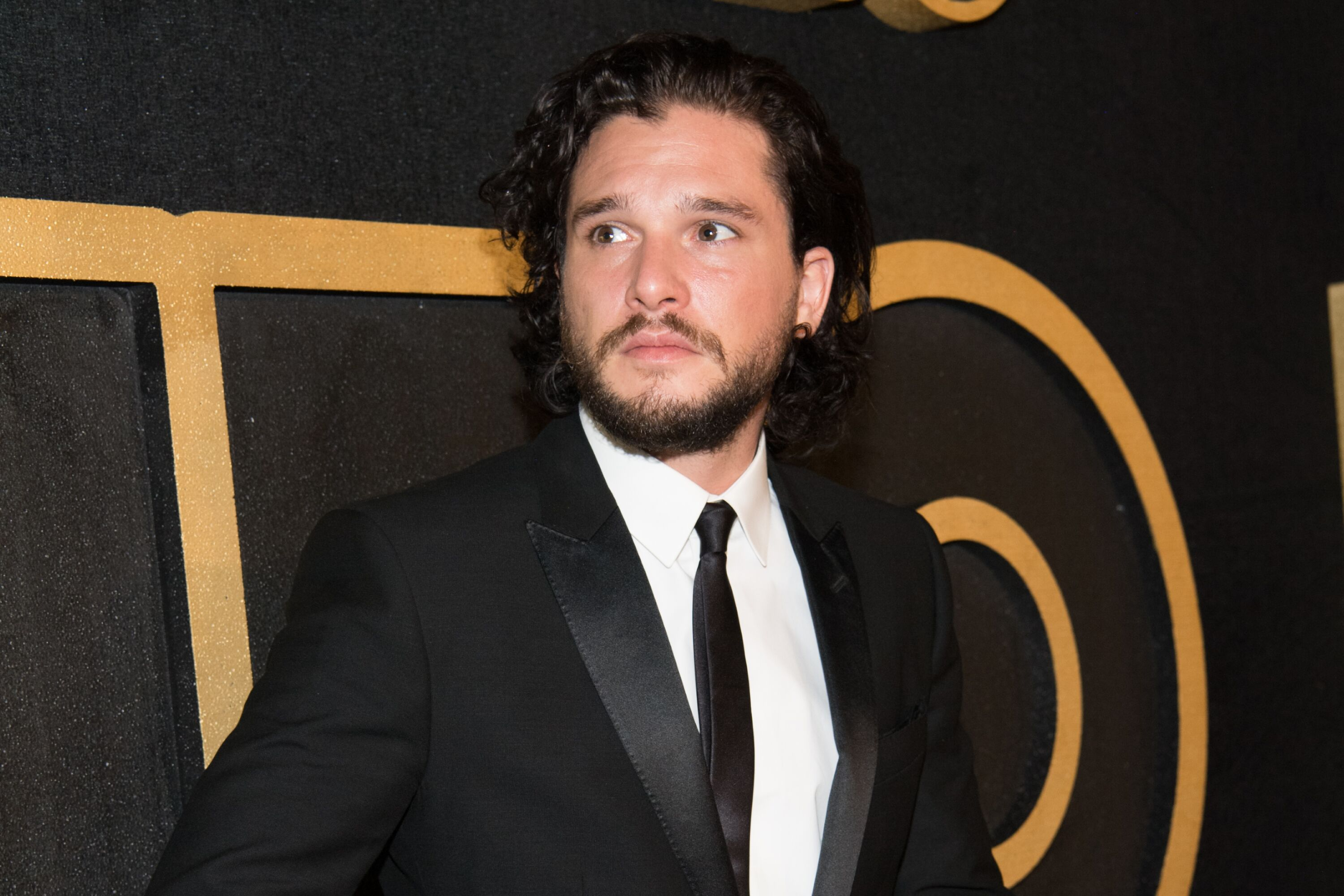 Kit Harington in a black tie event. | Source: Getty Images