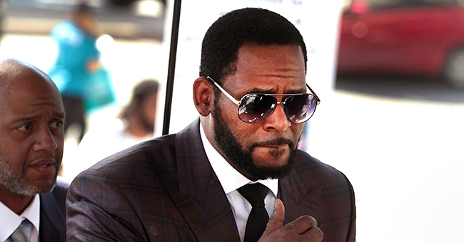The Blast: R Kelly Allegedly Targeted by Paid Jail Staff, Says Inmate in a Handwritten Letter