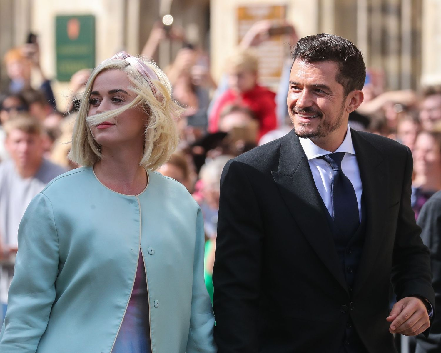 Katy Perry and Orlando Bloom at the wedding of Ellie Goulding and Caspar Jopling at York Minster Cathedral on August 31, 2019 | Photo: Getty Images