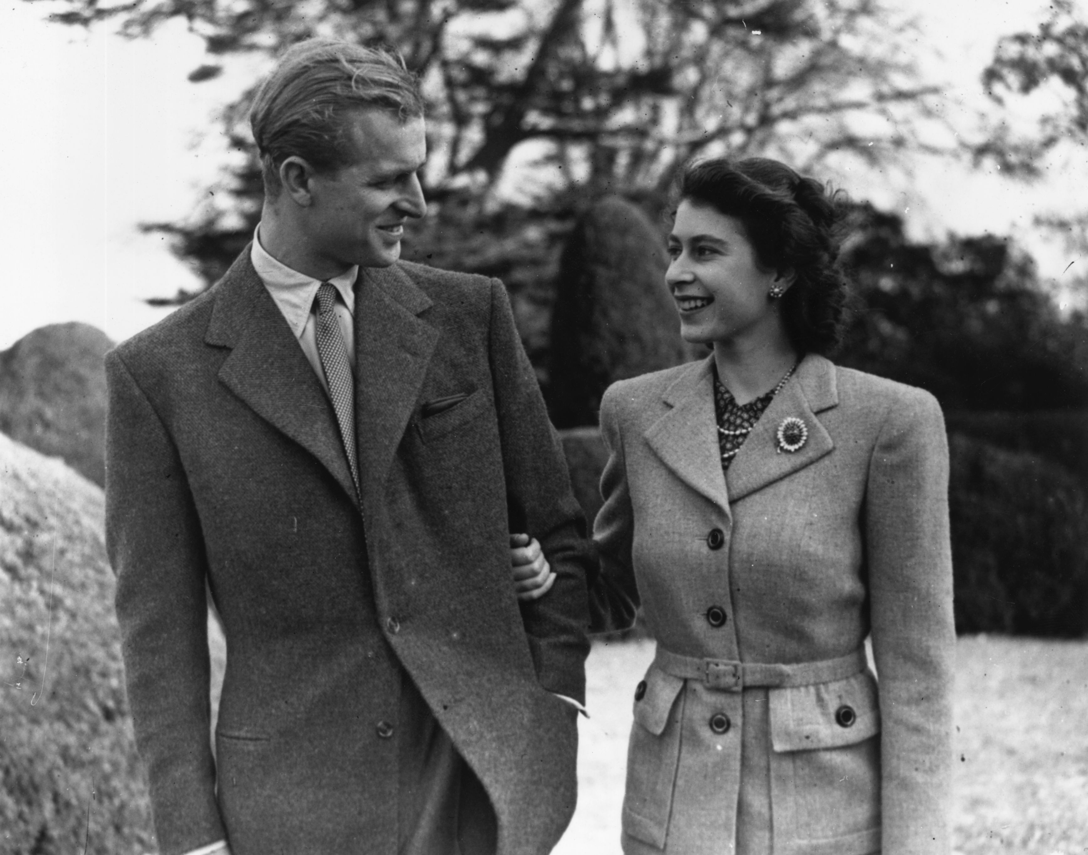 Princess Elizabeth and Prince Philip during their honeymoon at Broadlands, Romsey, Hampshire in 1947 | Source: Getty Images
