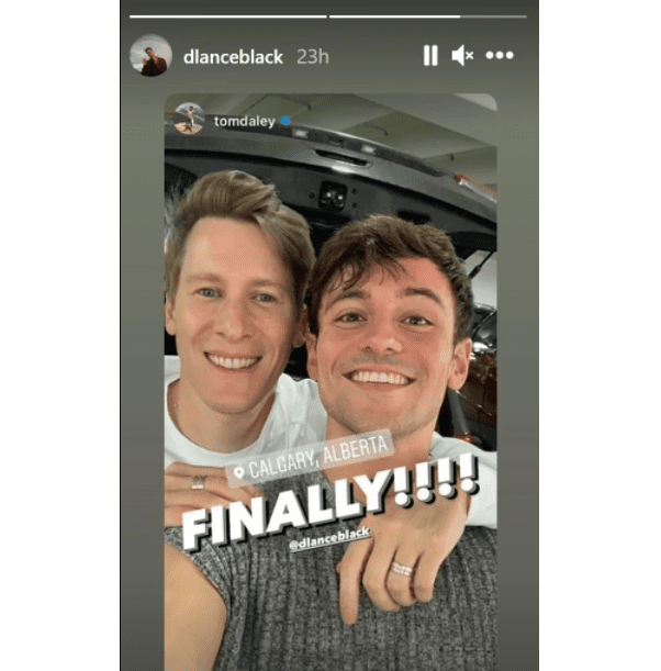 Tom Daley and Dustin Lance Black's reunion in Alberta, Canada, posted on Instagram on August 21, 2021 | Photo: Instagram/dlanceblack