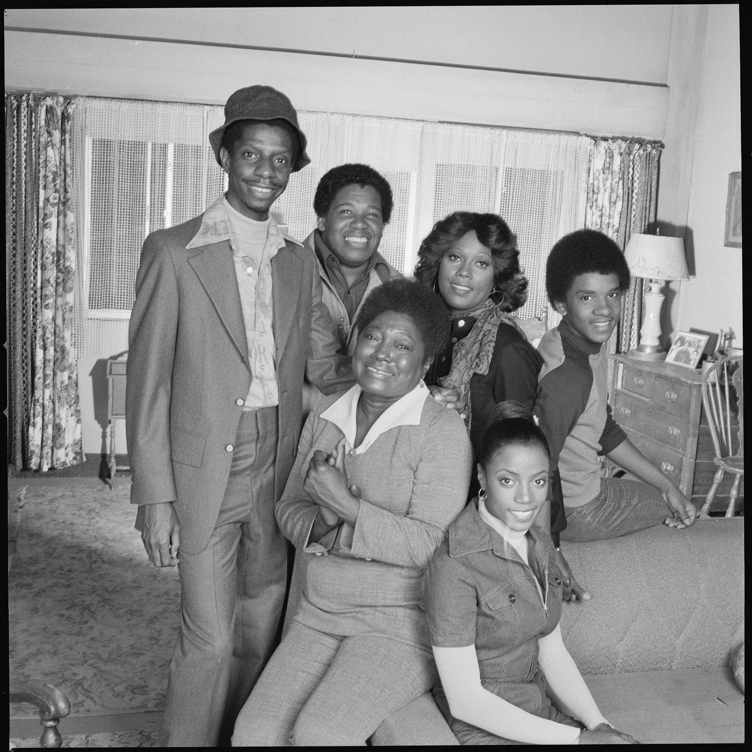 Jimmie Walker, Johnny Brown, Ja'net DuBois, and Ralph Carter pose for a portrait in the late ate 1970s. | Source: Getty Images