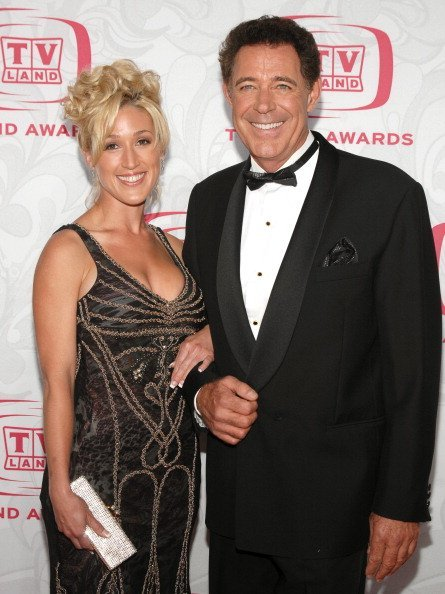Barry Williams and Elizabeth Kennedy during 5th Annual TV Land Awards   Photo: Getty Images