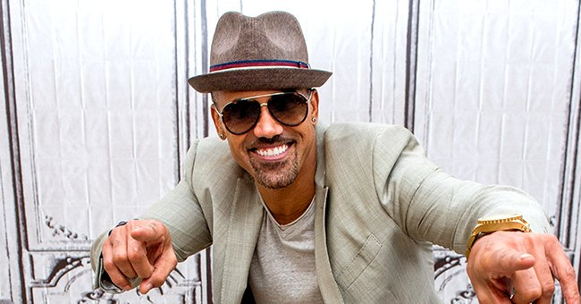 Check Out 'SWAT' Star Shemar Moore's Cool Mirror Selfie as He Gives Peek inside His Lavish Home